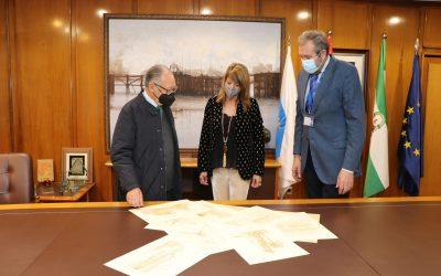 José Bacedoni dona algunos de sus diseños al Puerto de Huelva