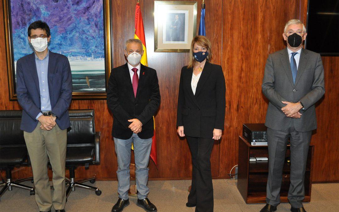 La presidenta del Puerto de Huelva y el presidente de Puertos del Estado mantienen un encuentro de trabajo