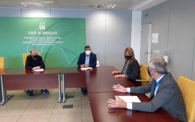 La presidenta de la Autoridad Portuaria de Huelva y el delegado territorial de Fomento abordan temas de interés conjunto
